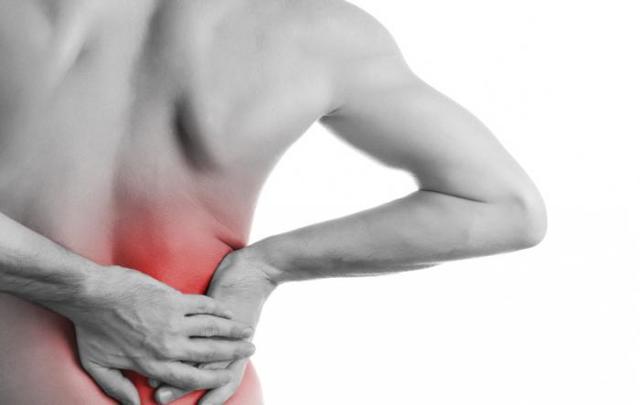 Тянет поясницу: причины тянущих болей в спине у женщин и мужчин, лечение