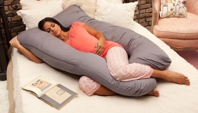 Почему беременным нельзя спать на спине, можно ли лежать беременным животом вверх во время сна
