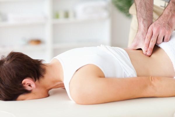 Острая боль в пояснице: что делать, как снять болевые ощущения в спине