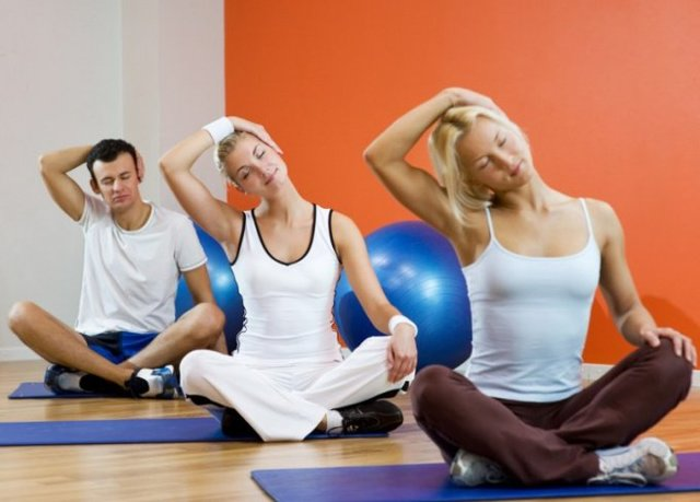 Лечебная гимнастика для позвоночника: упражнения для спины и суставов в домашних условиях, видео
