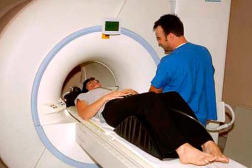МРТ позвоночника: что показывает, как делают томографию спины, вредна ли диагностика