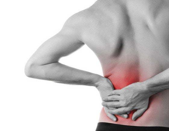 Боль в спине слева: почему болит левая сторона, лечение