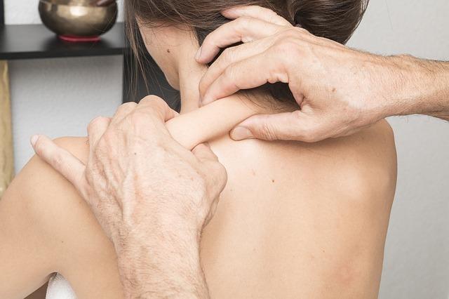 Остеохондроз шейного отдела позвоночника: симптомы и лечение, как избавиться, что делать