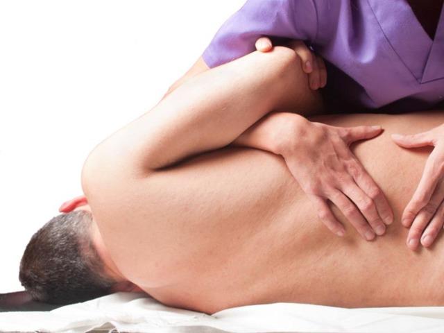 Лечение боли в пояснице в домашних условиях: как лечить, если болит, что делать