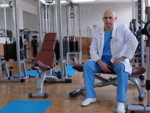 Упражнения для шеи от доктора Бубновского при шейном остеохондрозе: видео, выполнение гимнастики