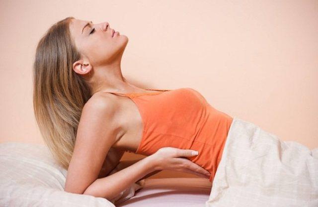 Болит поясница лежа на спине: почему больно лежать, причины ночных болей