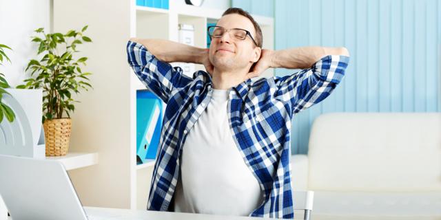 Почему хрустит позвоночник: причины и лечение хруста в поясничном отделе при прогибах