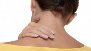 Болит шея при повороте головы: что делать, если больно поворачивать, лечение