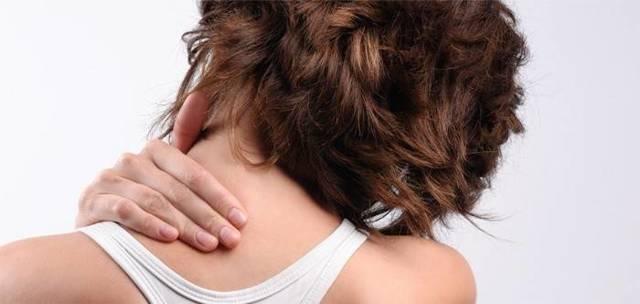 Боль в шее и плечах: причины, лечение (с правой или левой стороны)