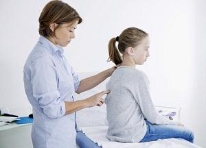 Лечение сколиоза у подростков: что делать, как исправить в домашних условиях, упражнения, причины