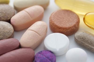 Радикулит: как лечить, симптомы и причины, медикаментозное лечение, первая помощь при болезни