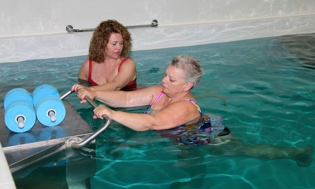 Как вылечить сколиоз в домашних условиях: способы исправить искривление, лечение дома