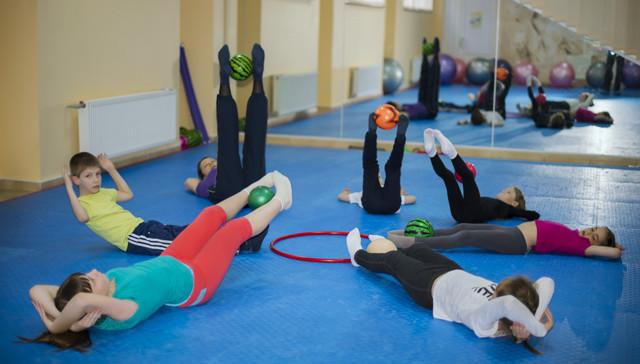 ЛФК при сколиозе у детей: как укрепить спину упражнениями и гимнастикой, выполнение зарядки