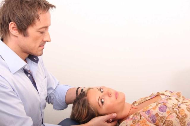 Лечение грыжи шейного отдела позвоночника: как лечить народными средствами в домашних условиях, отзывы