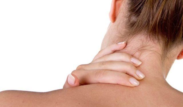 Почему болит шея: что делать, причины, как убрать боль, чем лечить
