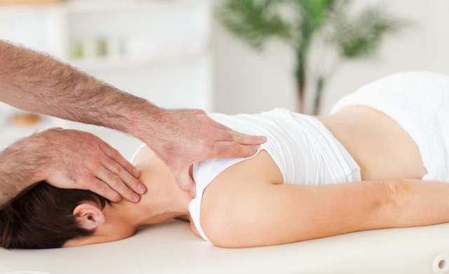 Мануальная терапия позвоночника: лечение в домашних условиях, отзывы, что это такое