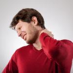 Боль в шейном отделе позвоночника: почему болит, что делать, причины и лечение