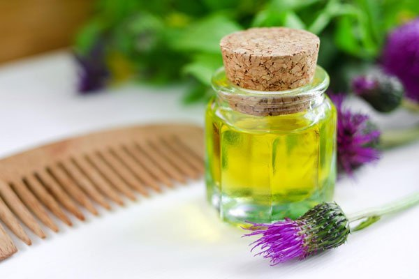 Репейное масло для роста волос, рецепты масок: помогает ли применение репейного масла для роста и густоты волос, какое лучше, как использовать, инструкция по применению взрослым и детям