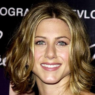 Причёски Дженнифер Энистон: фото стрижки в разные годы — короткая, каскад, как в сериале «Друзья», лесенка, боб, как называется её любимая причёска, как сделать, какой форме лица подойдёт