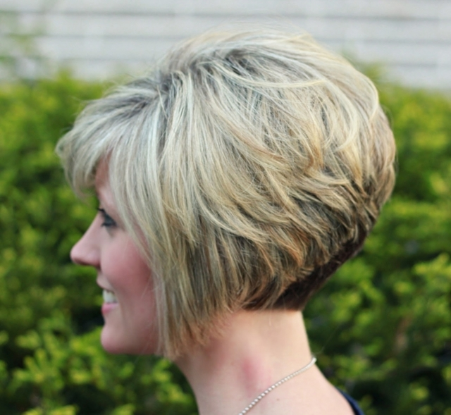 Стрижки для короткой шеи: прически, чтобы скрыть недостаток, фото вариантов для женщин и девушек с разной длиной волос, дополнительная коррекция с помощью макияжа и аксессуаров, советы стилистов