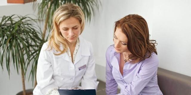 Себорейный дерматит волосистой части головы: лечение медикаментозное и народными методами, фото симптомов себореи на голове и причины возникновения