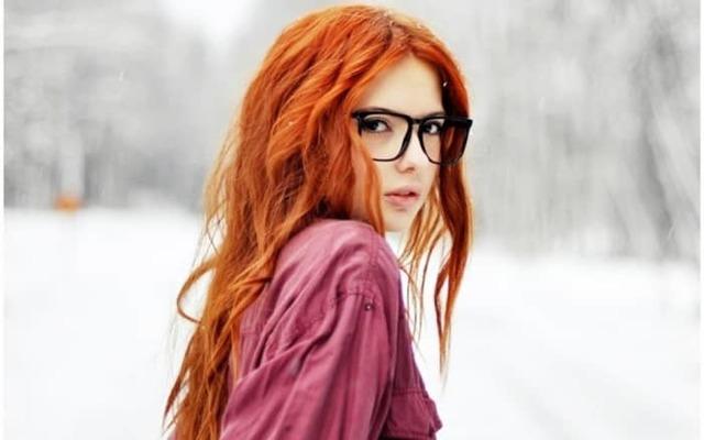 Колорирование на рыжие волосы, фото причесок со светло-рыжим цветом, как сочетается с белым, как выглядит до и после, какие оттенки выбрать