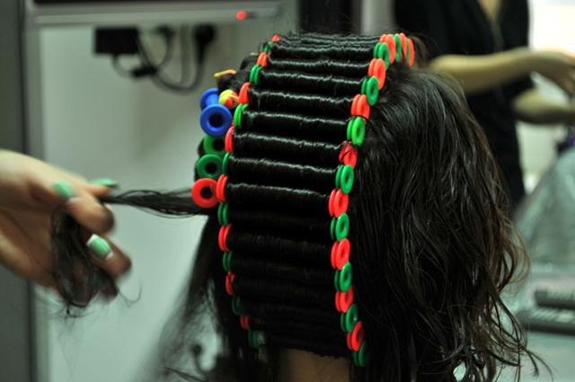 Биозавивка волос на длинные волосы: виды биохимии, этапы процедуры биозавивки длинных волос с челкой, фото
