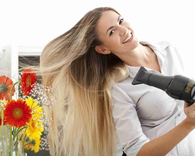 Укладка феном: как правильно уложить длинные, короткие, средней длины волосы самой себе круглой расческой для объема, видео уроки и фото для домашних условий, техники, способы и схемы, прическа с дуршлагом, самостоятельное выполнение со щеткой, пенкой и другими приспособлениями и средствами