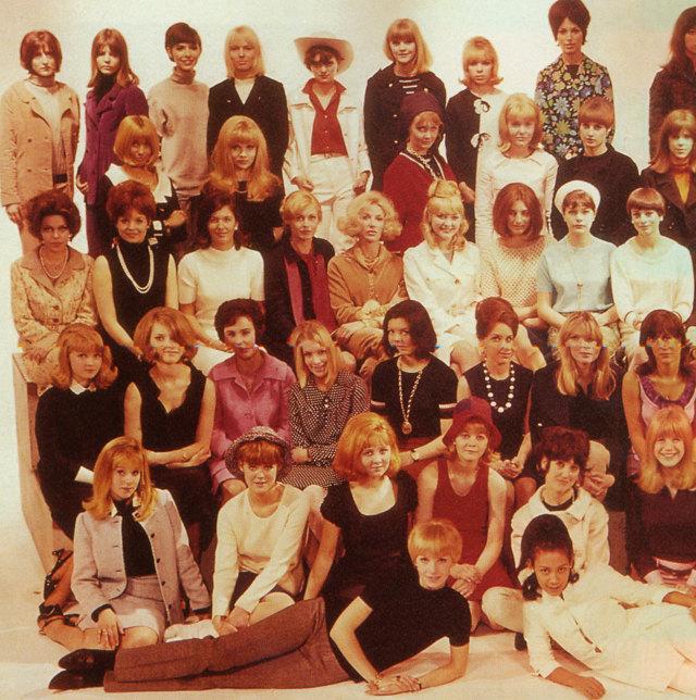 Прически 60-х годов: фото женских укладок в стиле 1960 — хала, улей и других, как их сделать на короткие, средние, длинные волосы, мода того времени — платья, макияж, стрижки, звездные примеры