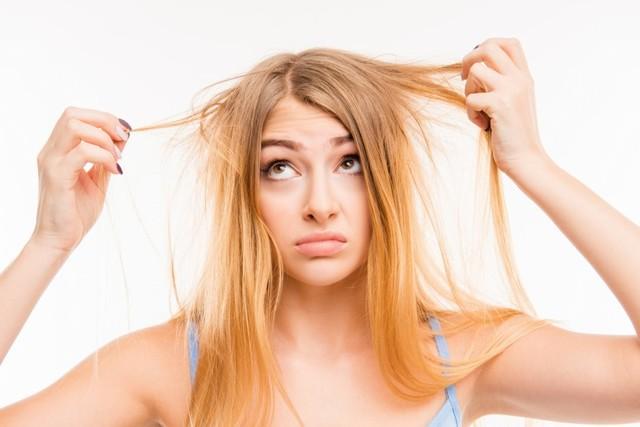 Выпадение волос: психосоматика заболевания, причины, методика Луизы Хей для лечения проблем облысения у женщин