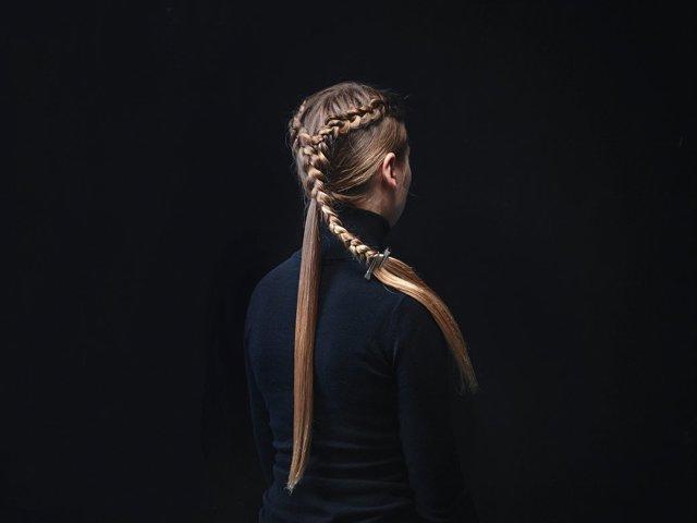 Причёски Дейнерис в Игре Престолов: как сделать, заплести своими руками пошагово, фото сзади, как менялись стрижки Эмилии Кларк в разные годы — короткая, длинная и другие