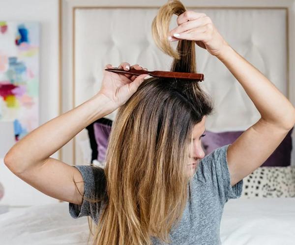 Как сделать начес: как правильно делать прически на средние, длинные волосы в домашних условиях, высокий хвост и другие укладки самой себе, как начесать волосы для объема, тупировка и другие методы, как расчесать прическу потом