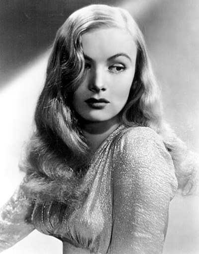 Прически 40-х годов: фото женских модных укладок в стиле 1940 на разную длину волос, как их сделать своими руками, рекомендации по выполнению, современные модели, звездные примеры
