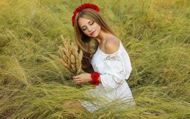 Русские народные прически: как выглядят женские славянские стрижки, фото красавиц с косой, видео, технология выполнения укладок в старинном стиле для танцев, кому они подходят, как сделать самостоятельно, плюсы и минусы, примеры знаменитостей