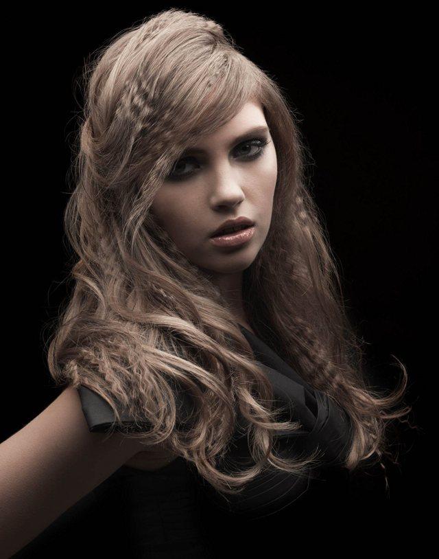 Прически с гофре на длинные, средние и короткие волосы, как сделать укладку из гофрированных волос: бант, коса объемная, с водопадом, хвост, пучок, вечерние прически с гофре, для девочек, для бальных танцев, фото