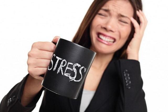 Выпадение волос на нервной почве, от стресса: лечение, могут ли от нервов теряться локоны и как это остановить
