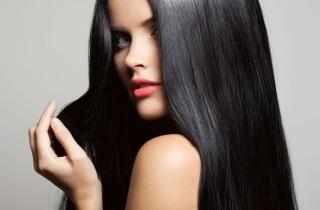 Выпадают волосы после окрашивания: что делать если от покраски сильно лезут локоны, можно ли облысеть от этой процедуры, не опасно ли делать при алопеции