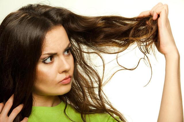 Витамины против ломкости волос: для секущихся, сухих локонов, лучшие комплексы, отзывы, инструкция по применению, цена