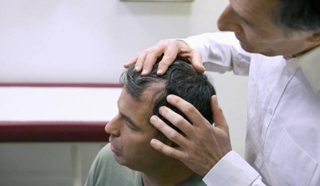 Средство от выпадения волос у женщин: лучшие эффективные лекарственные препараты от алопеции, рейтинг, отзывы, действенные маски, шампуни, бальзамы от облысения