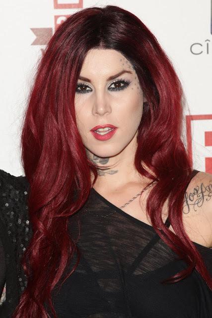 Красная краска для волос: палитра оттенков (дерево, яркий, гранат, темный, черный и другие), отзывы, фото результатов покраски, как подобрать свой цвет