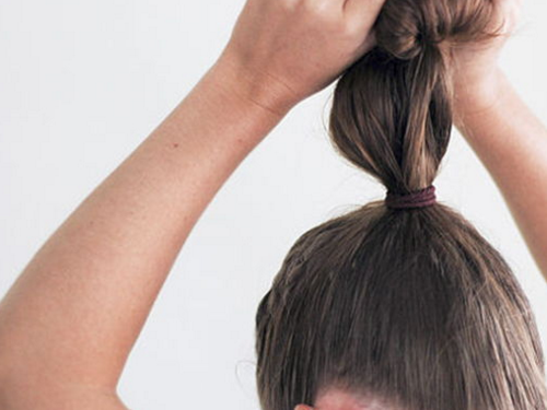 Пучок из носка: как сделать гульку, шишку с помощью носочка для волос, видео, кому подходит оригинальная прическа, что нужно для самостоятельного выполнения, пошаговая инструкция, модные вариации, способы укладки, плюсы и минусы