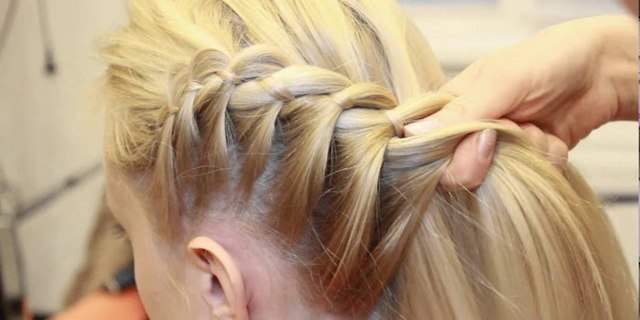 Ажурные косы: как сделать прическу цветок на длинные волосы, пошаговая инструкция с фото, плетение косичек ажуром, видео, кому и для каких случаев подходит укладка, что нужно для самостоятельного выполнения