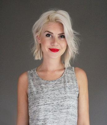 Асимметричный боб: фото стрижки с косой челкой и без, выбритым виском на средние, длинные, короткие волосы, вид прически сзади, кому подходит, варианты укладки