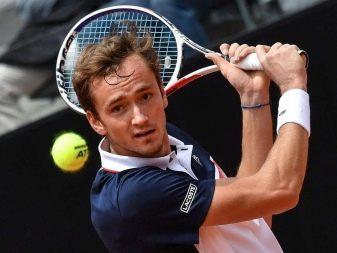 Стрижка теннис: фото мужской прически, вид сзади, технология выполнения, видео как стричь, модные варианты — короткий, с челкой и без, молодежный полутеннис, классический, спортивный