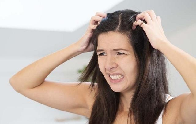 Может ли чесаться голова от нервов: что делать, симптомы, лечение, профилактика
