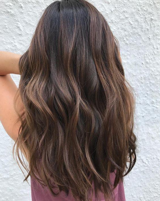Мелирование на темные волосы: фото, на черные, на каштановые, на коричневые, на крашеные, с челкой и без, на короткие, на каре, как сделать красивые пряди в домашних условиях