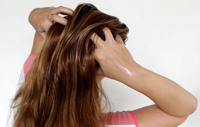 Серия шампуней Золотой шелк: активатор роста волос с кератином и перцем, с репейным маслом, от перхоти и с кофеином, их состав и правила применения, фото