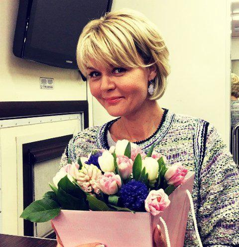 Стрижка Ангелины Вовк: название короткой причёски, фото спереди и сзади, как менялся имидж ведущей на протяжении карьеры, как она выглядит сегодня