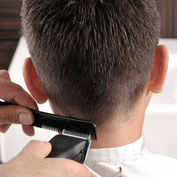 Прическа ёжик: фото короткой мужской стрижки, технология выполнения, как выглядит сзади на затылке, популярные варианты на длинные волосы, кому подходит модель, пошаговая инструкция, плюсы и минусы, звездные примеры