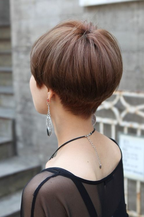 Стрижка боб на средние волосы: фото женской прически с челкой и без, придающей объем, кому подойдет объемный каскад до плеч, как выглядит, техника выполнения, варианты и виды